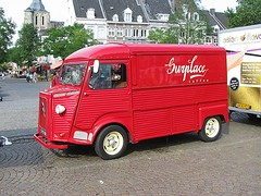 SURPLACE Coffee (streamer020nl) Tags: maastricht nederland 2016 holland netherlands niederlande paysbas 210916 limburg citroën hb2as markt market coffee koffie kaffee café 1975 red rot rood rouge