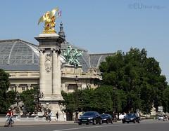 Golden statue and quadriga (eutouring) Tags: grandpalais travel paris france building architecture statue quadriga goldenstatue pontalexadreiii