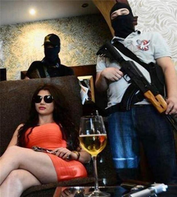墨西哥最性感女黑手黨