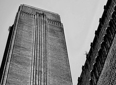 Old Fashioned Tate Modern (pippigar) Tags: uk england london blackfriars bankside southbank banksidepowerstation tatemodern tatemodernchimney chimney bw monocrome architecture hdr panasonicdmcg6
