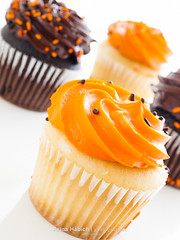 Cupcakes (Arina Habich) Tags: autumn food orange white holiday black fall halloween cake dessert scary sweet decoration cream sugar pattycake cupcake sprinkles snack sweets swirl tradition sugary indulgence frosting confectionery baked trickortreating allhallowseve kingsoopers smallcake fairycake guising fallholiday pastrie sweetfood serveoneperson paganharvestfestival
