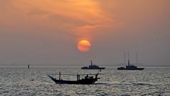 Sharq Sunset (Colin McLurg) Tags: sunset boats evening kuwait doha dhow arabiangulf q8 sharq kuwaitbay colinmclurg