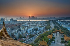 Sunset over the Yangtze river (Andrea Rapisarda) Tags: china bridge sunset panorama sun streets skyline river landscape nikon tramonto torre view ngc location ponte vista 23 yangtze wuhan sole strade cina hubei nationalgeographic d800 pagode tempio  yellowcranetower  grattacieli  nohdr fiumeazzurro nikon2470mmf28 nuovoemoderno