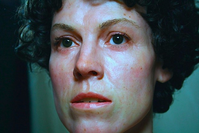 超級真實的「異形」女主角雷普利雕像