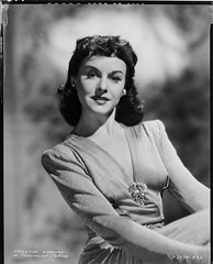 7000-4992 (AliceJapan  ) Tags: paulette paramount goddard paramountpictures paulettegoddard