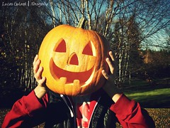 Happy Halloween! (Lucas Gulard) Tags: party orange canada halloween me kids project pumpkin happy zoom kodak sweet lucas witches feliz crianas doces bruxa susto abbora 30x z990 28840mm gulard