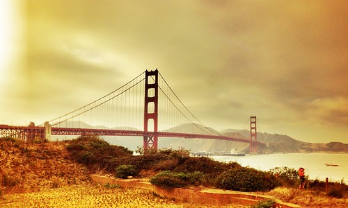 "Golden Gate Bridge - San Francisco, California • <a style=""font-size:0.8em;"" href=""http://www.flickr.com/photos/20810644@N05/8142840851/"" target=""_blank"">View on Flickr</a>"