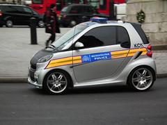 ForTwo Police (kenjonbro) Tags: uk london westminster smart silver grey trafalgarsquare panning charingcross sw1 brabus fortwo kck metropolitanpolice kenjonbro fujihs10 ad59jyg