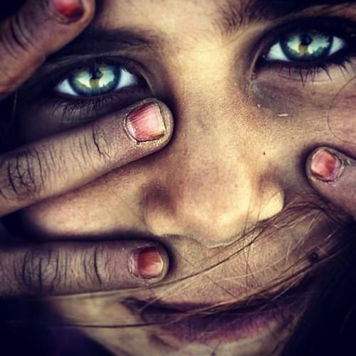 جمال طفلة فقيرة من تركيا  a beautiful poor Turkish girl