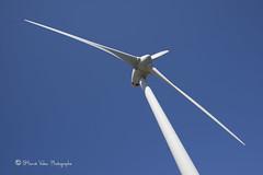 Eolienne_DSC4499 (hervv30140) Tags: france languedoc olienne hlice bleu blanc ciel triple pale rotor gnrateur lectricit nergie nouvelle propre