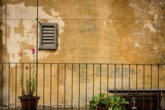 Orta San Giulio (erwannf) Tags: architecture texture faade ortasangiulio pimont italie