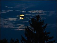 Der Mond ist aufgegangen (BM-Licht) Tags: church germany bayern deutschland bavaria nikon kirche 1750 tamron kloster oberland benediktbeuern d7000