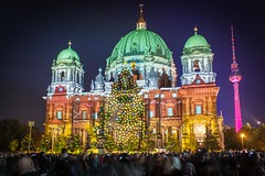 Berlin Festival of Lights 2012: Berliner Dom (Lens Daemmi) Tags: berlin tower festival germany lights tv cathedral dom fernsehturm festivaloflights berliner 2012 fol