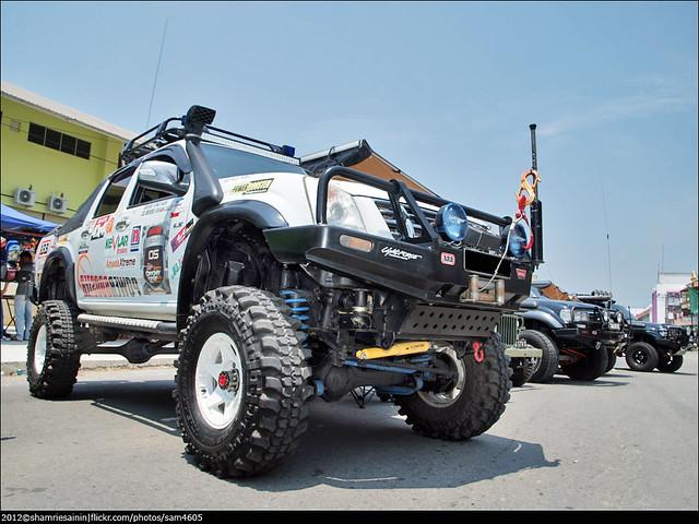 car monster ed 4x4 4wd olympus malaysia borneo vehicle modified e3 sabah isuzu tuaran zd dmax sabahborneo 1442mm