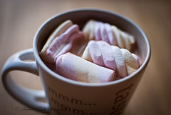 Day 292 (~366) (lostinavision) Tags: pink autumn winter light white hot cold home cup warm yum drink sweet chocolate fluffy hotchocolate sugar marshmallows mug cosy warming homey comfy calda dose nom ciocolata andreearaduphotography nikond300035mm