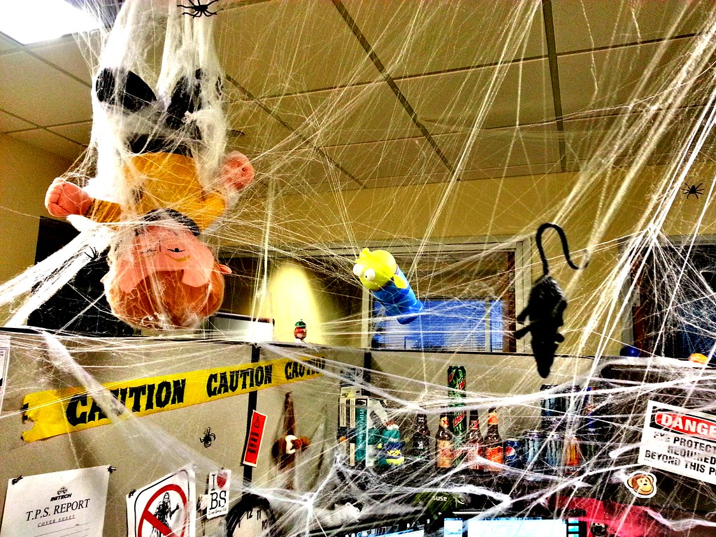 decorating a cubicle for halloween. work cubicle decor office