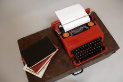 Valentine-Olivetti-Sottsass (D68 design+art) Tags: red typewriter vintage 60s valentine rosso valentina olivetti midcentury macchinadascrivere