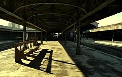 Da 43 (Mariana Eme) Tags: tren banco soledad sombras estaciondetren vias