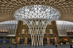 King's Cross Station - London (Craig Pitchers) Tags: london station underground nikon tube kingscross kingscrossstation 1024 unitedkingdon d7000 nikond7000 nikon1024mm