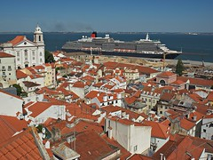 MS Queen Victoria in Lisbon harbour (nisudapi) Tags: 2016 portugal lisbon alfama view lookout church ship liner port quay harbour queenvictoria cunard