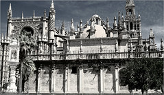 Catedral et Giralda, Sevilla, Andalucia, Espana (claude lina) Tags: claudelina espana spain espagne andalucia andalousie city town ville sevilla sville architecture catedral cathdrale giralda