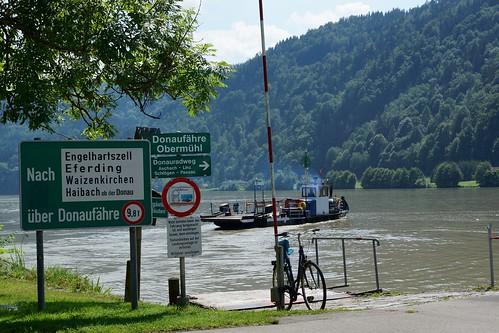 Fähre Obermühl an der Donau