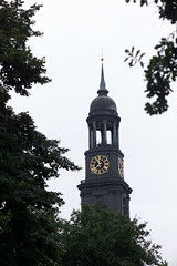 St. Michaels, Hamburg (David_Leicafan) Tags: 90mmelmarc church hamburg steeple tower clocktower stmichaelis