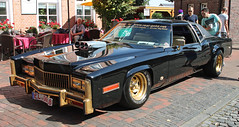 Ludenschleuder Deluxe (Schwanzus_Longus) Tags: leer ostfriesland german germany us usa america american old classic vintage car vehicle coupe coupé pimp pimpmobile mobile lowrider caddy cadillac eldorado wheels gold bling