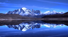 The quicksilver (Saint-Exupery) Tags: chile torresdelpaine lagunaamarga lago lake laguna reflejo reflection nikon