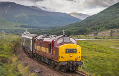 37406 06082005 (Waddo's World of Railways) Tags: 37406 37 406 sleeper rail railway train highlands scotland dull wet mountains fortwilliam westhighlands westhighlandline class37 tractor growler syphon 374 loco locomotive beds