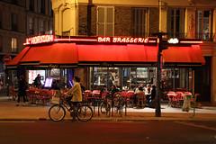 L'Horizon Bar Brasserie (Toni Kaarttinen) Tags: woman paris france bike bicycle bar night lights cycling evening frankreich darkness frança bistro frankrijk párizs francia iledefrance parijs parisian brasserie parís フランス parigi frankrike 法國 paryż 巴黎 cityoflight パリ francja ranska pariisi צרפת franciaország париж francio parizo lhorizon франция franţa