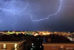 Llamps i Trons a Blanes / Relámpagos y Truenos en Blanes / Lightning and Thunders in Blanes (Pere Garcia Gómez) Tags: tormenta lightning rayo blitz lyn salama relâmpago relampago 闪电 fulmine 雷 yıldırım 閃電 foudre ברק petir strele välk blesk 번개 молния villám błyskawica fulger žaibas zibens البرق ฟ้าผ่า мълния tiachớp блискавка बिजली κίνδυνοιαπόκεραυνό