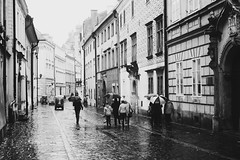 Rainy Cracow / Deszczowy Kraków (Piotr Kowalski) Tags: street rain rainy kraków cracow oldtown deszcz staremiasto kanonicza ulica bruk rainycracow deszczowykraków