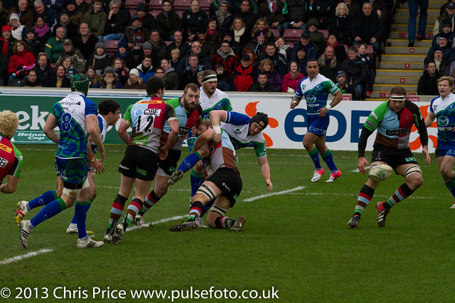 Chris Robshaw with the tackle