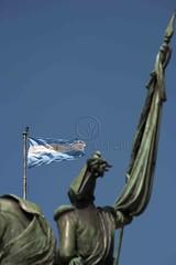 Na Plaza de Mayo (Edson Grandisoli. Natureza e mais...) Tags: argentina buenosaires general militar plazademayo manuelbelgrano esttua amricadosul praademaio