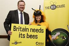 "Stephen Mosley MP backs British bees • <a style=""font-size:0.8em;"" href=""http://www.flickr.com/photos/51035458@N07/8401881840/"" target=""_blank"">View on Flickr</a>"