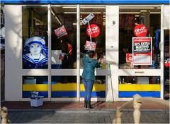 Clean Shop (Hindrik S) Tags: suitable job woman clean shop window cleaning famke vrouw meisje female zeeman nijstêd nieuwestad opop a300 alpha300 blue leeuwarden liwwadden ljouwert color colorful kleur tamron1750 tamron sonyalpha sony tamronspaf1750mmf28xrdiiildasphericalif α300 streetphotography street strjitte straat candid cpf sonyphotographing strjitfotografy