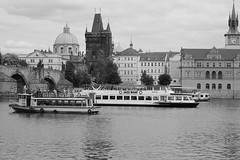 IMG_4333 (MegaFlohn) Tags: prag prague praha moldau boats city