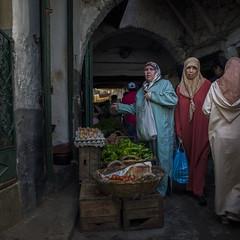 Market (Julio Lpez Saguar) Tags: juliolpezsaguar urban urbano calle street ciudad city gente people teouan tetun marruecos morocco mercado market mujeres woman women color colour
