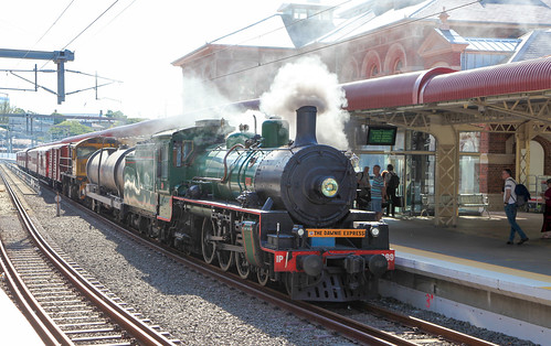 The Dawnie Express, (Bilby Express) BB181/4 class number 1089, arriving Roma Stree