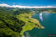 Flying in Sete Cidades with JB Chandelier (Tristan Shu) Tags: flying parapente azores casm setecidades fujifilm xphotographers xt2 açores portugal pt
