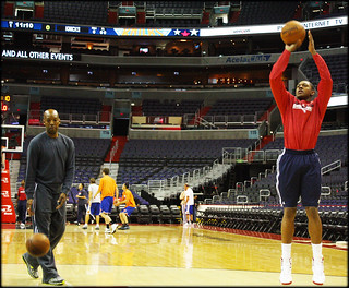 20121011-bradley-beal-and-sam-cassell