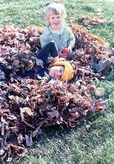 1981-10 - Fall Leaves (Sam Howzit) Tags: autumn columbus ohio fall leaves vintage susan sister brother siblings retro 1981 samhowzit october1981 vintagesam
