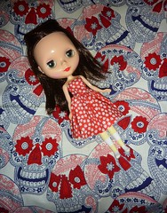 Red, White, and Blue (Bebopgirl1969) Tags: blue red white daisies skull blythe roseyredencore