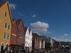 bryggen (Sean Munson) Tags: norway europe unescoworldheritagesite worldheritagesite bergen scandinavia bryggen hanseatic tyskebryggen