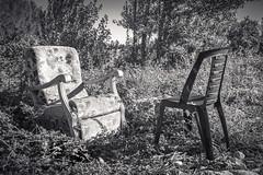 Rencontre champêtre / Countryside meeting (Laurent VALENCIA) Tags: blackandwhite france canon chair 5d campagne chaise chaises abandonned plastique abandonné rustique noretblanc
