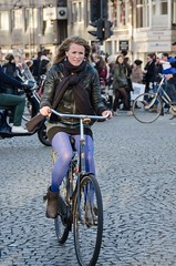 (105mm) Tags: street city girls people woman sun sexy girl smile dutch amsterdam fashion bike bicycle shopping happy outfit women pretty boots candid style streetlife skirt bicycles blond blister pantyhose fiets streetwear mensen streetfashion streetportraits streetstyle
