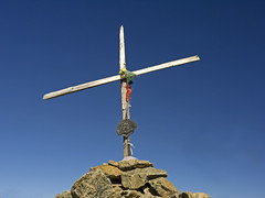 043 - the top cross (TFRARUG) Tags: mountain lake alps cross hike aosta ibex avic dondena