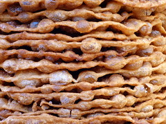 Torre de buñuelos mexicanos/ Mexican buñuelos tower (Raul Jaso) Tags: food mexico mexicocity comida ciudaddemexico frying fritter buñuelos fritura frituras buñuelo