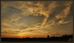 A bit earlier! (WanaM3) Tags: wanam3 sony a700 sonya700 texas houston elfrancoleepark park clouds vista twilight civiltwilight sky landscape serene sunset